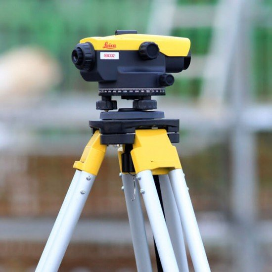 Leica NA 332 Nivelliergerät